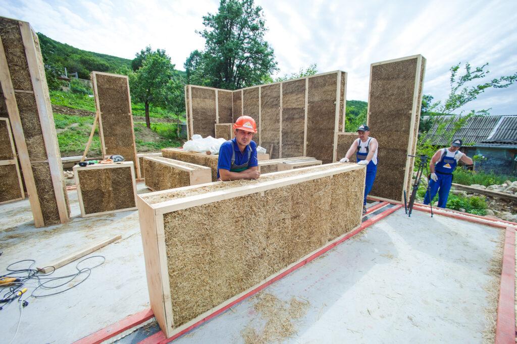 soloma.house: будівництво будинків з солом'яних панелей